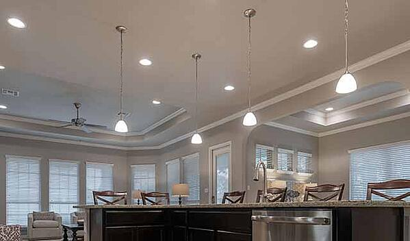 pendant-lighting-above-kitchen-island