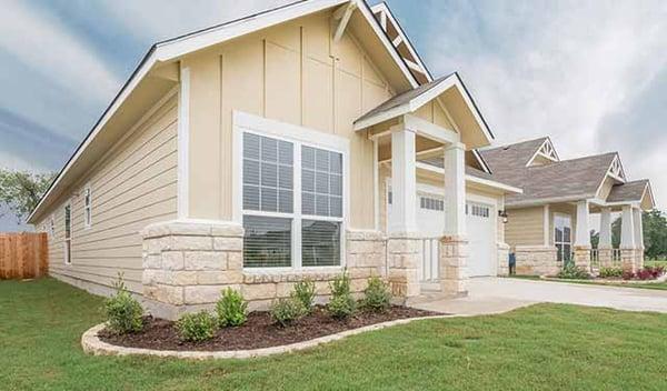cottage-style-home-hardi-siding